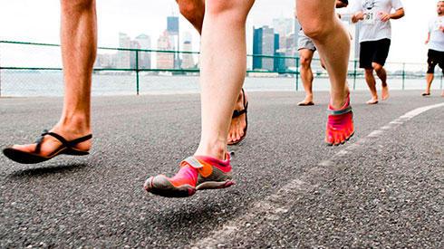 Por qué nunca ganan los corredores que van descalzos