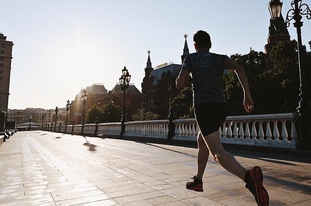 Cómo La Natación Puede Ayudarte A Correr